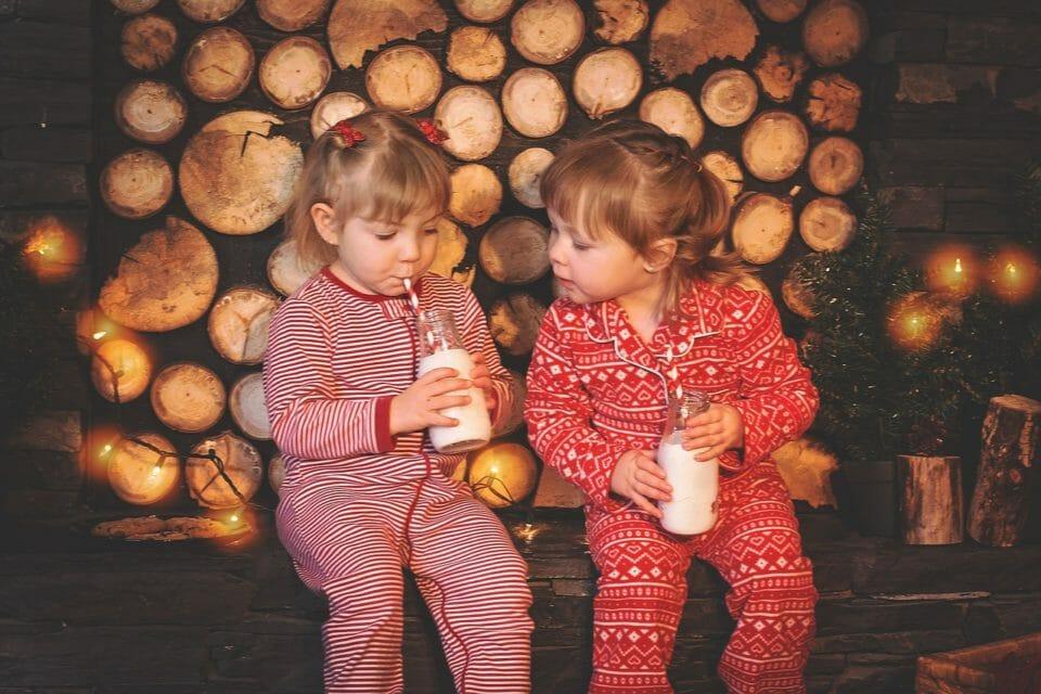 Girls in pyjamas at a sleep over