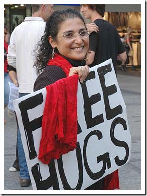 Ronit Baras - free hugs