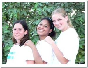3 smiling teenage girls