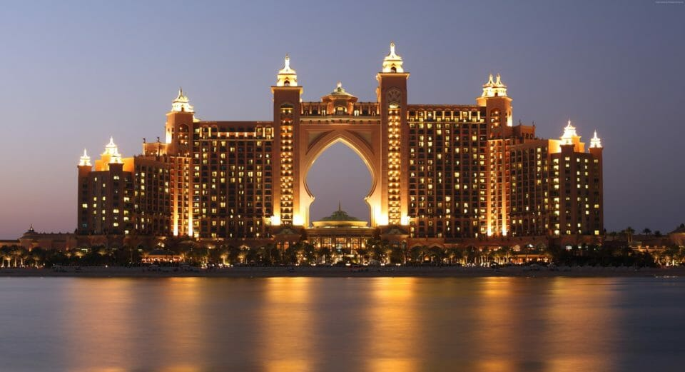 Atlantis Hotel, The Palm, Dubai - a destination for rich people