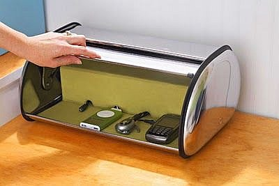 Bread box used to store mobile phones