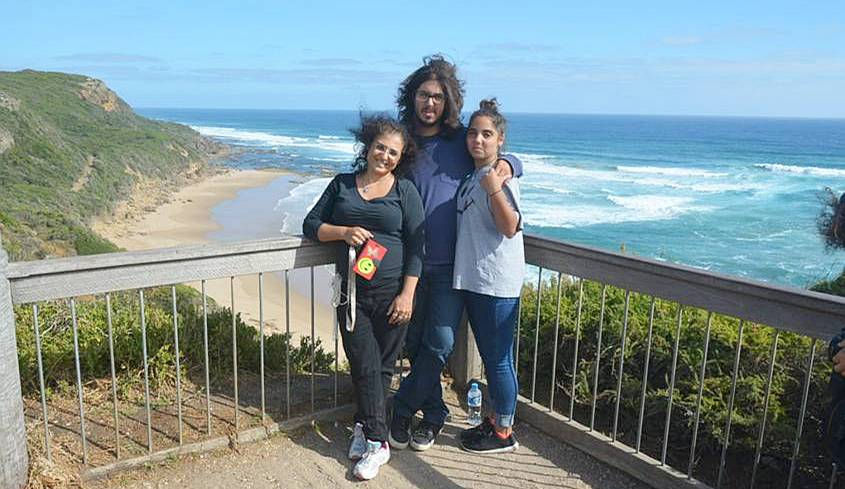 Ronit, Tsoof and Noff on the Great Ocean Road
