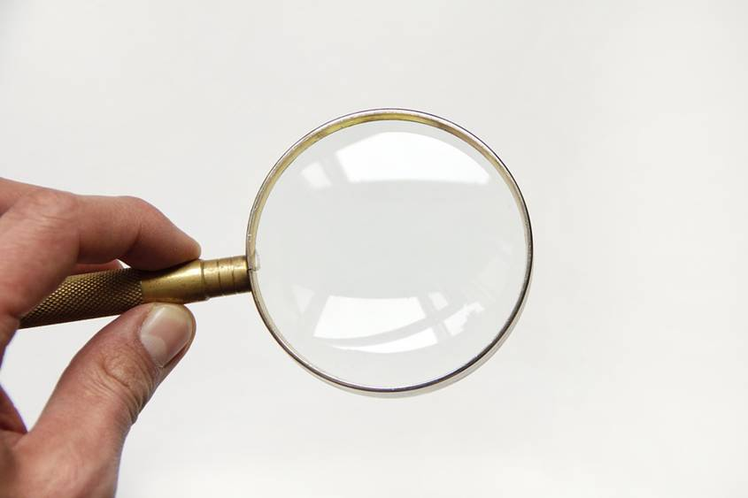 Magnifying glass - helps you focus