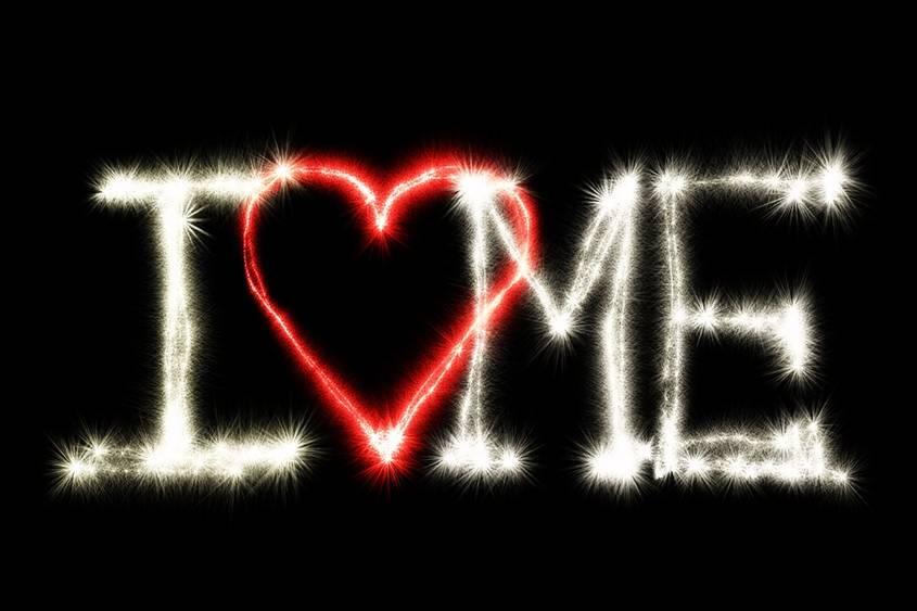 I love me written in light